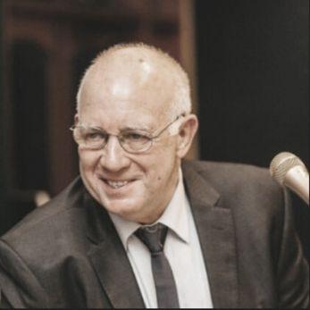 Dr Geoff Martin